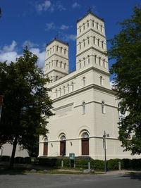 Schinkelkirche von vorne