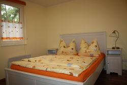 Ausruhen im modernen Schlafzimmer