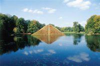 Wasserpyramide im Pückler-Park Branitz